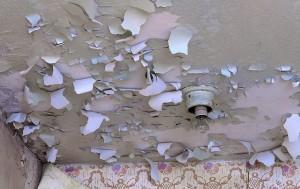 Очистить-потолок-от-краски