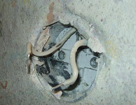 демонтаж электропроводки демонтаж розеток