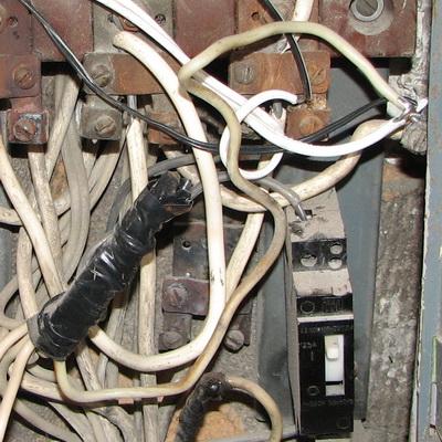 старой электропроводки.