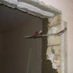 Подготовка дверного проема, демонтаж старой двери, штукатурка дверного проема
