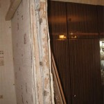 Дверной проем после демонтажа старой коробки