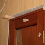 Установка дверной коробки на монтажную пену своими руками