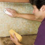 Укладка фартука на кухне из мозаики|