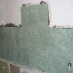 Укладка плитки на кухонный фартук без подготовки стен