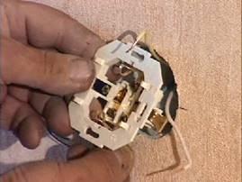 установка электрической розетки