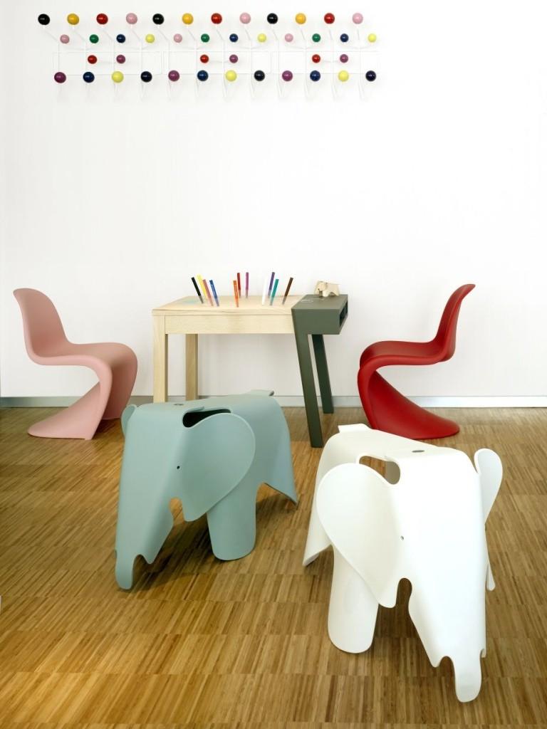 стулья дизайнерского замысла
