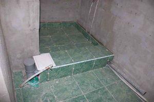 Устройство душевого поддона из кирпича и плиткит ванной с устройством душа и кирпичного поддона с облицовкой плиткой.