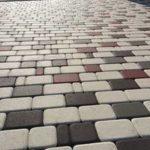 Как очистить тротуарную плитку от цемента и других загрязнений?