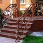 Особенности и преимущества гранитных ступеней