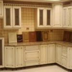 Как покрасить кухонный гарнитур из дерева?