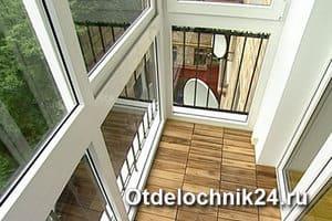 особенности балконных рам с остеклением в пол