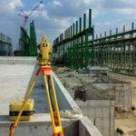 Когда и как производится геодезическая разбивка осей строящегося здания?